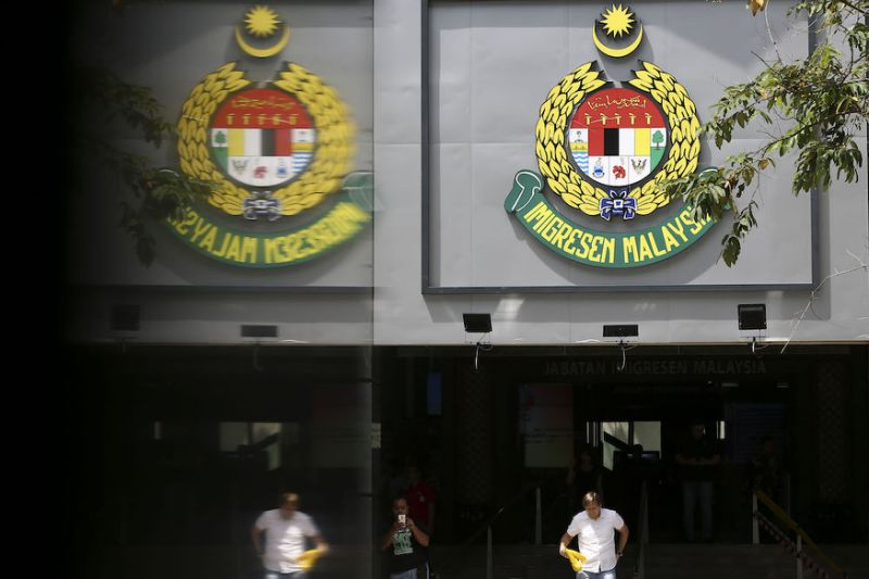 Singapore man sues Malaysia's Immigration Dept for RM2.67m over 'inhuman' detention