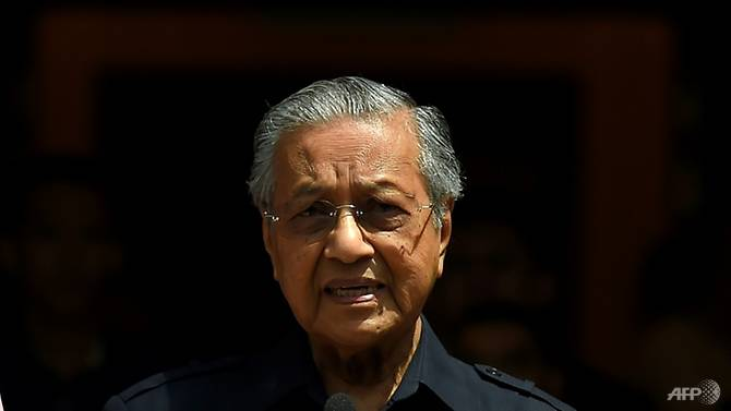 Malaysian PM Mahathir sparks controversy over anti-Semitic remarks at Cambridge University